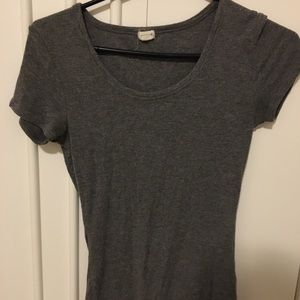 Gray ribbed t-shirt